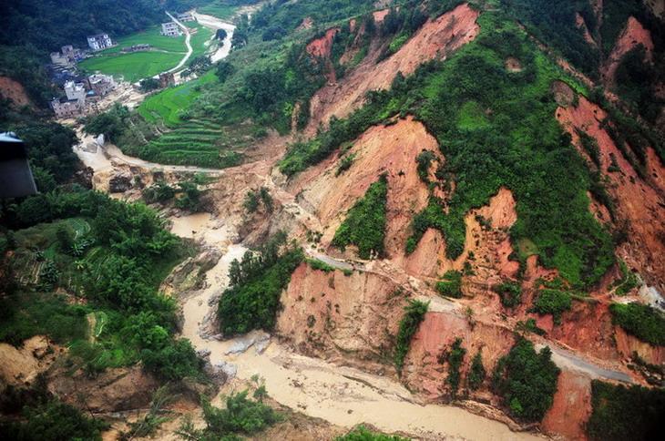 洪水很可怕 但无人机可成为救援队的得力助手