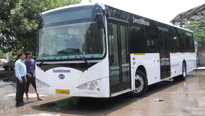 印度引进比亚迪新型电动巴士 预计10日试行