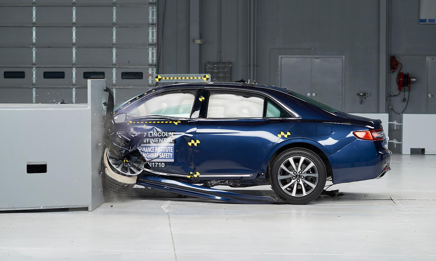 美IIHS最新测试六款车 半数获最高安全评级