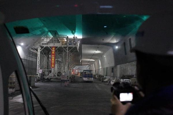 港珠澳大桥海底隧道今日正式贯通!3分钟穿越海底
