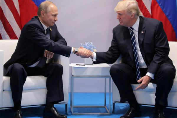 终相见!特朗普与普京举行首次正式会谈