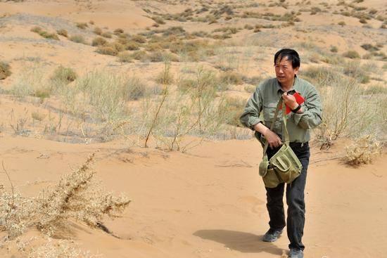 """【中国梦实践者】屈建军:把沙漠当情人的""""大漠游侠"""""""