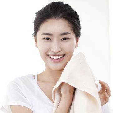 护肤奇葩说 | 你洗脸后用毛巾擦还是用纸巾擦?