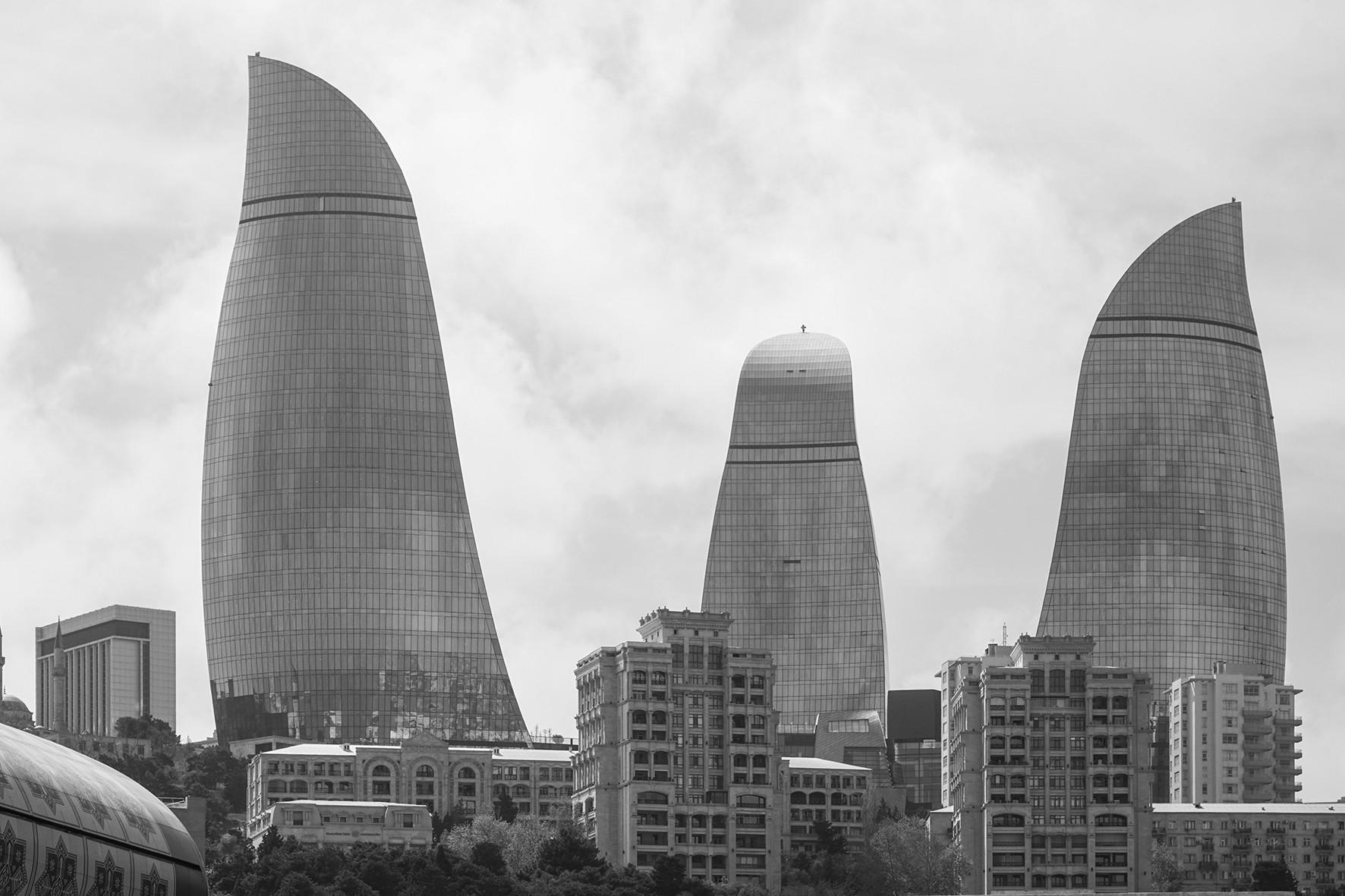 阿塞拜疆 被火热包围的国度