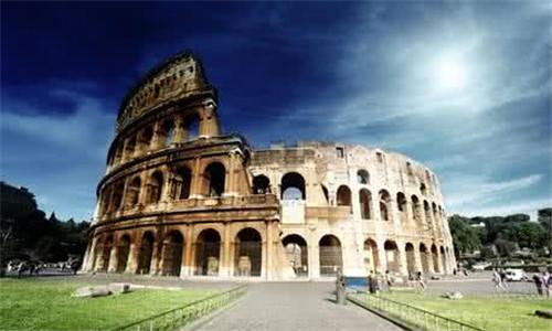 赴意大利移民数量激增 欧盟呼吁合作解除移民压力