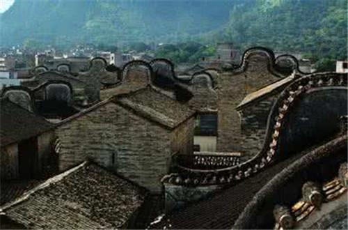 灵山县传统村落保护中心挂牌
