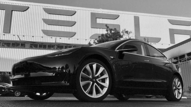 特斯拉首辆Model 3正式下线 7月28日首批交付