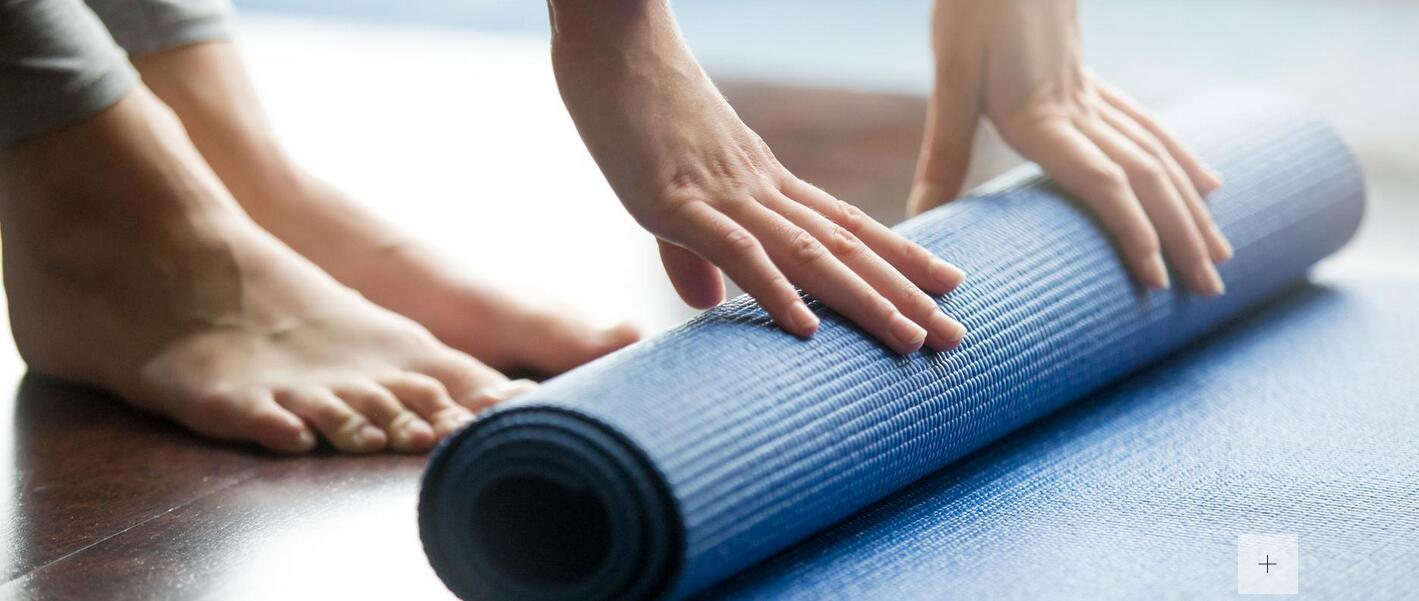 科学锻炼指南:法媒揭秘挑选瑜伽垫的学问