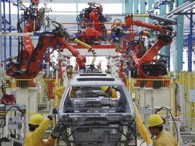 增速400%到10%背后 新能源车市场遭遇阵痛