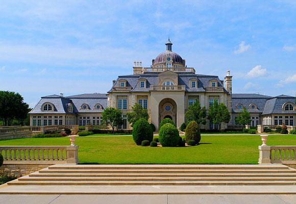 美国德州最大豪宅出售10年 造价3.54亿
