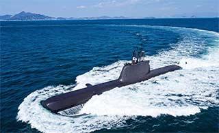 韩国209型潜艇表面很光滑