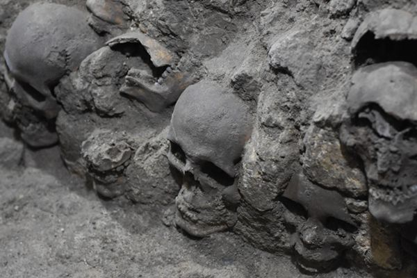 墨西哥考古挖掘461个人类头颅 颠覆献祭文化