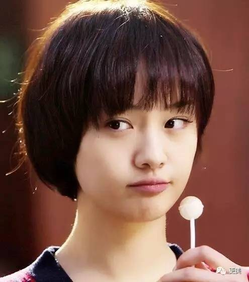 刘诗诗短发吃藕、王子文马尾老10岁,换发型有时惨比毁容啊…
