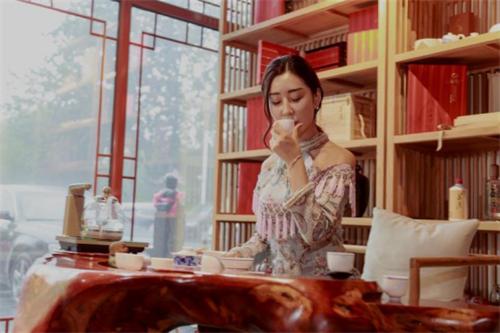 茶仙子app牵手世界小姐大赛 知性身材内外双修