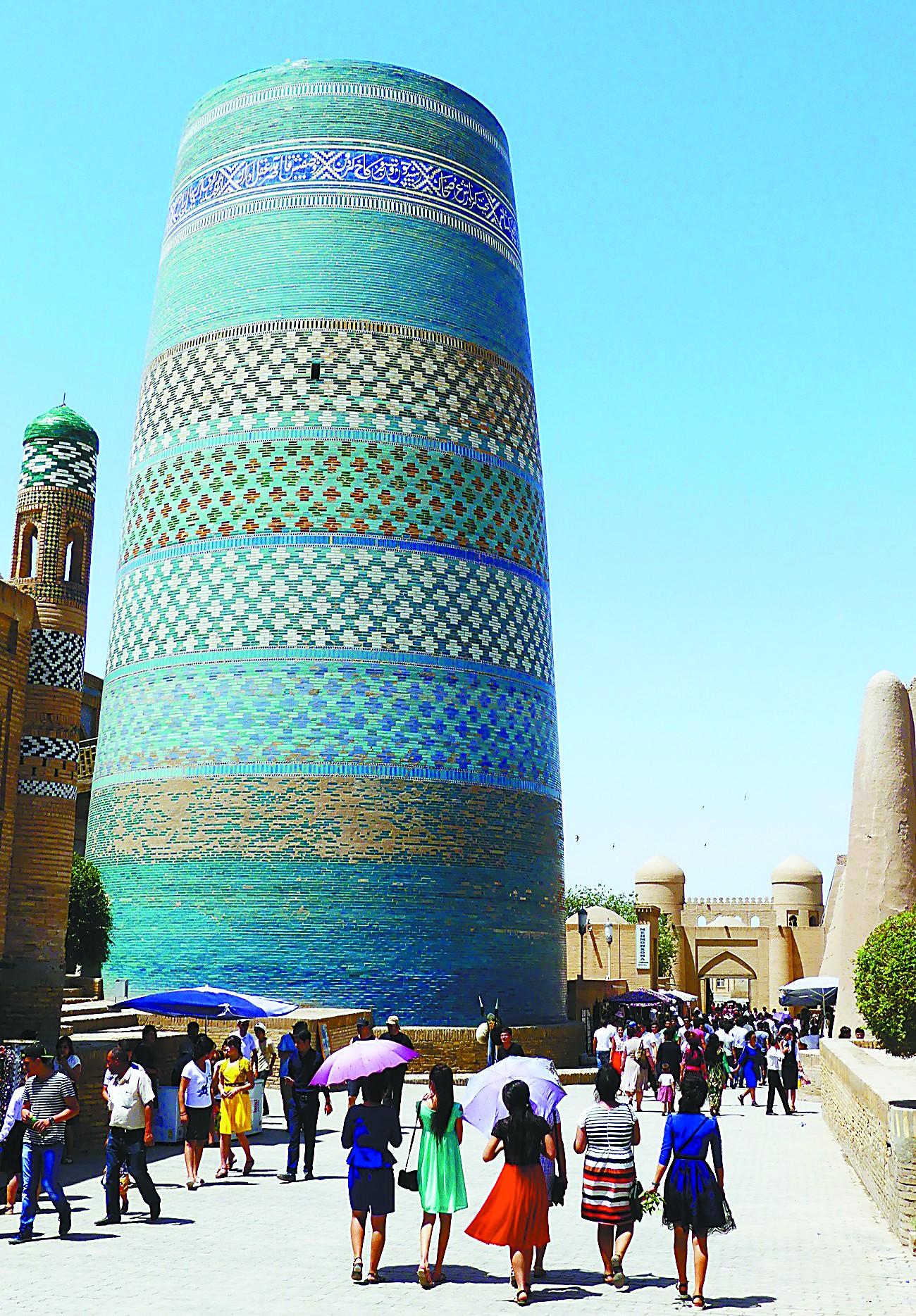伊斯兰建筑典范 在乌兹别克斯坦看蓝色穹顶之美