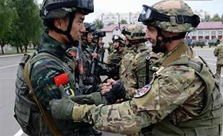 武警与白俄内卫部队联合演练