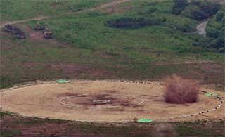 美军B1B战轰赴韩演习炸的挺准