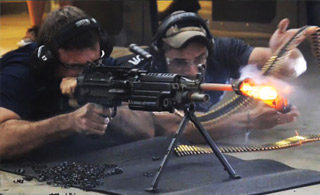 打到熔化!美制机枪700发子弹连续极限射击