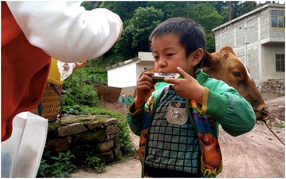 百姓公益进山区:帮灾后重建小学的孩子们实现愿望