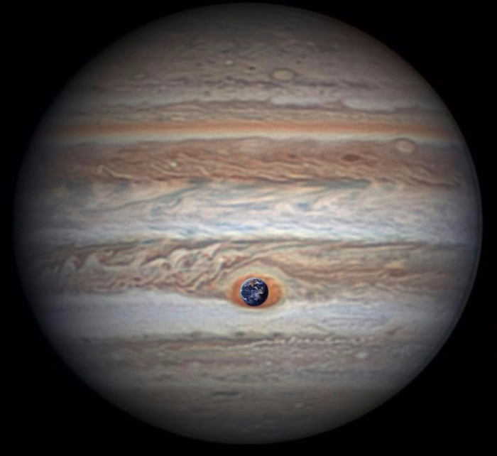 """木星探测器完成历史性""""大红斑""""飞越"""