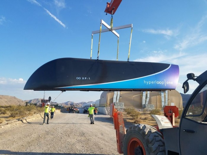 Hyperloop One透露上月完成超级高铁真空测试