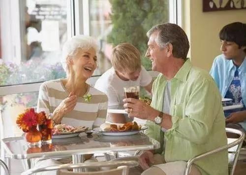 中老年人消化不良怎么办?日常7注意,饮食5要点