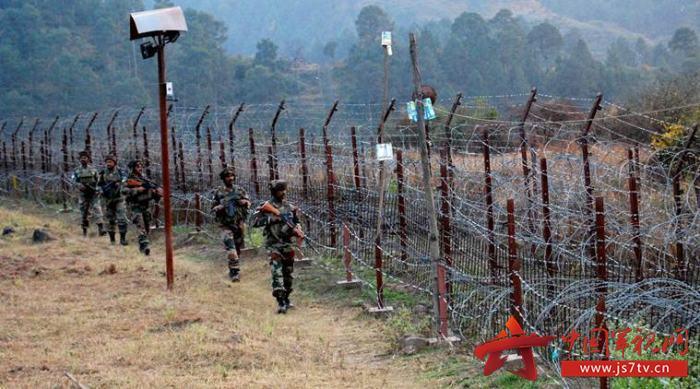 巴军方:印军袭击致巴军车沉河 4名军人溺亡