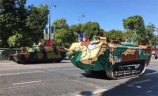 法国国庆阅兵展示一战时期装备