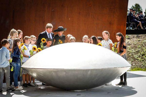 马航MH17坠毁事件三周年  荷兰国王夫妇出席纪念活动