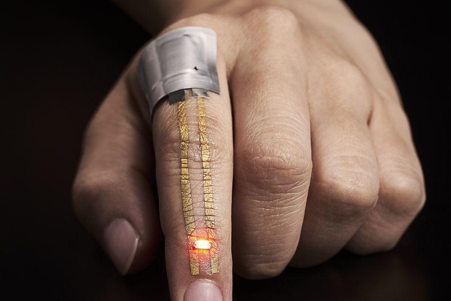 设备太多不方便?你或许可以把数据存到皮肤中