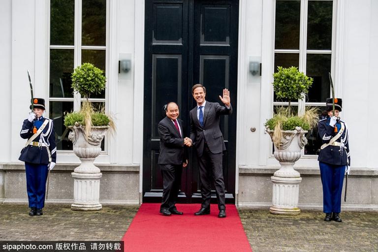 越南总理到访荷兰与首相马克·吕特会面
