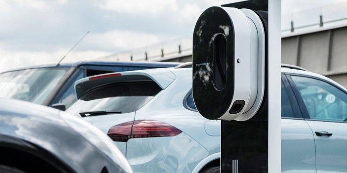 保时捷安装首批快速充电桩15分钟可充电80%