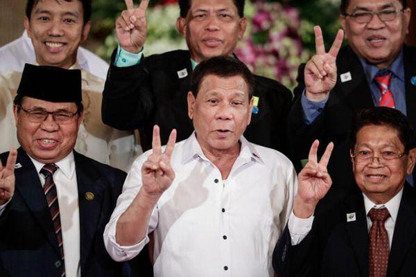 杜特尔特同意菲律宾穆斯林自治 以谋化击溃IS