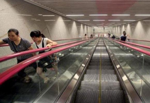 中国最深地铁站:坐扶梯3分钟才到地面