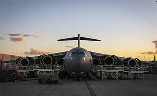 大型运输机如何维护发动机