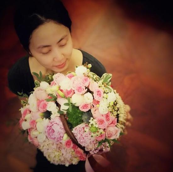 """黄磊为孙莉庆生 一句饱含22年柔情的""""宝贝""""甜齁了"""