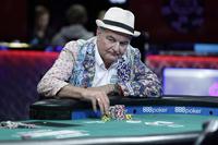 英国老人扑克赛赢675万巨奖
