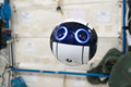 日本球形机器人成太空摄影师