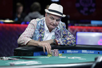 英国老人扑克锦标赛中赢675万巨奖