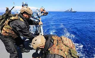 中意海军进行联合海上演习