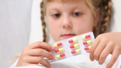 宝宝误食并非都要催吐 药物和化学品急救各不同