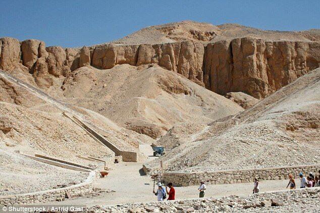 考古学家发现疑似埃及法老图坦卡蒙妻子之墓