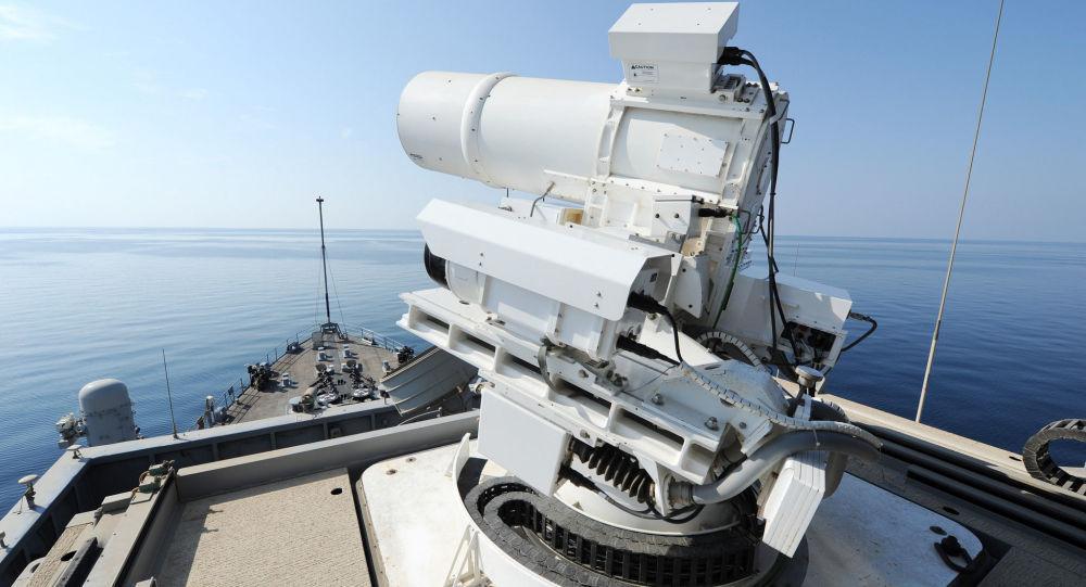 美国世界首台现役激光武器击落无人机,1美元1发