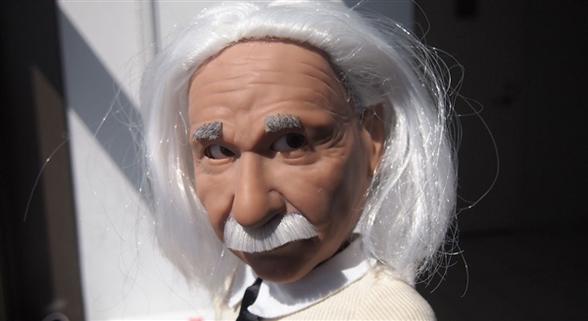 爱因斯坦仿真机器人问世 吐舌头画面神还原