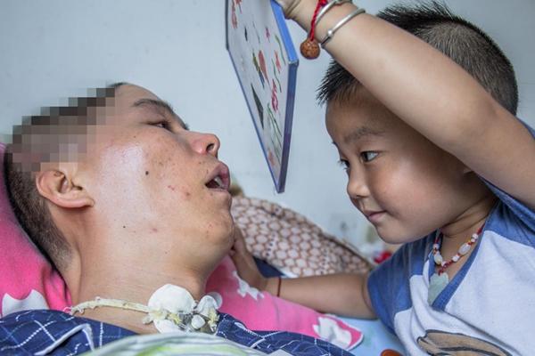 4岁孩子病房作画 8个月唤醒植物人父亲