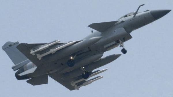 简氏:中国已装备PL15导弹 将成歼20主要武器