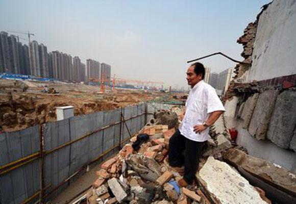 """水浒传""""鼓上蚤时迁""""遭遇强拆 如今沦为钉子户"""