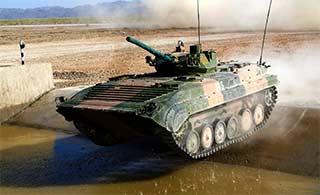 装甲车为苏沃洛夫突击赛做好准备