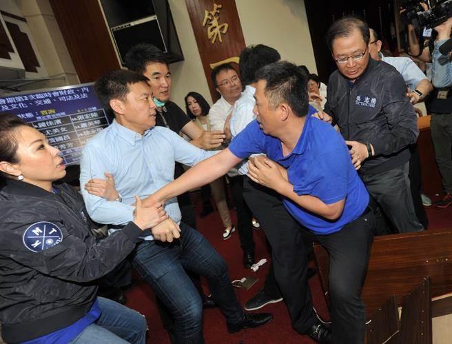 台湾名嘴赵少康评国民党:退此一步,即无死所