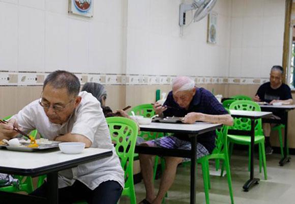 杭州老年食堂售卖套餐10年未涨价
